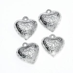 Κρεμαστή Μεταλλική Καρδιά με ανάγλυφα σχέδια